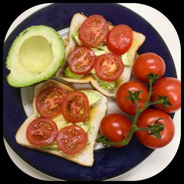 Fresh Fruit & Vegetables Gallery - Avocado & Tomato Sandwhich